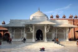 India-Agra-Dargahsheikh-Salim.jpeg
