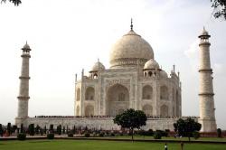 India-Agra-mausoleum (2).jpeg