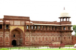 India-Agra-royal-palace-Household.jpeg