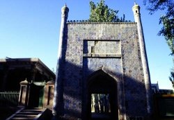 Kashgar_tomb_of_Abakh_Hoja_Secte_Baishan_or_Xiangfei_1607..jpeg