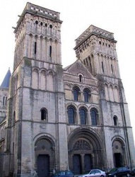 France_Caen_abbaye_Sainte_Trinite_Calvados.jpeg