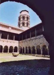 France_Lavaudieu_abbaye_Brioude11s.jpeg