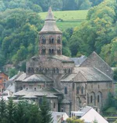 France_Orcival_Notre_Dame_Auvergne_1146.jpeg