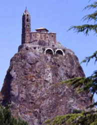 France_Puy_en_Velay_chapelle_Saint_Michel_d_Aiguilhe_962.jpeg