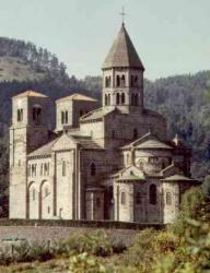 France_Saint_Nectaire_Auvergne.jpeg