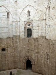 Italy_Castel_Del_Monte (5).jpg