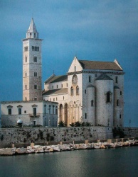 Italy_Trani_Cathedral_1089 (2).jpg