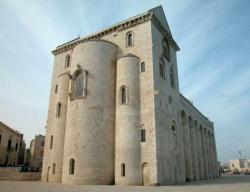 Italy_Trani_Cathedral_1089 (3).jpg