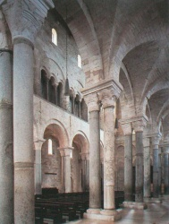 Italy_Trani_Cathedral_1089.jpg