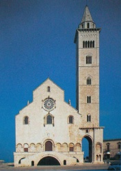 Italy_Trani_Cathedrale_1089.jpg